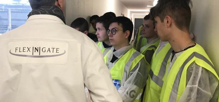 Une classe en entreprise : 29 lycéens en immersion 3 jours dans l'entreprise Flex-N-Gate